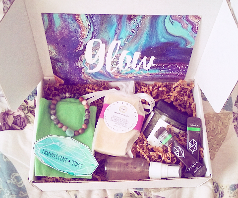 Review: September Sunday Mood Box – Glow